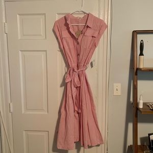 Button-down striped shirtdress—with pockets!